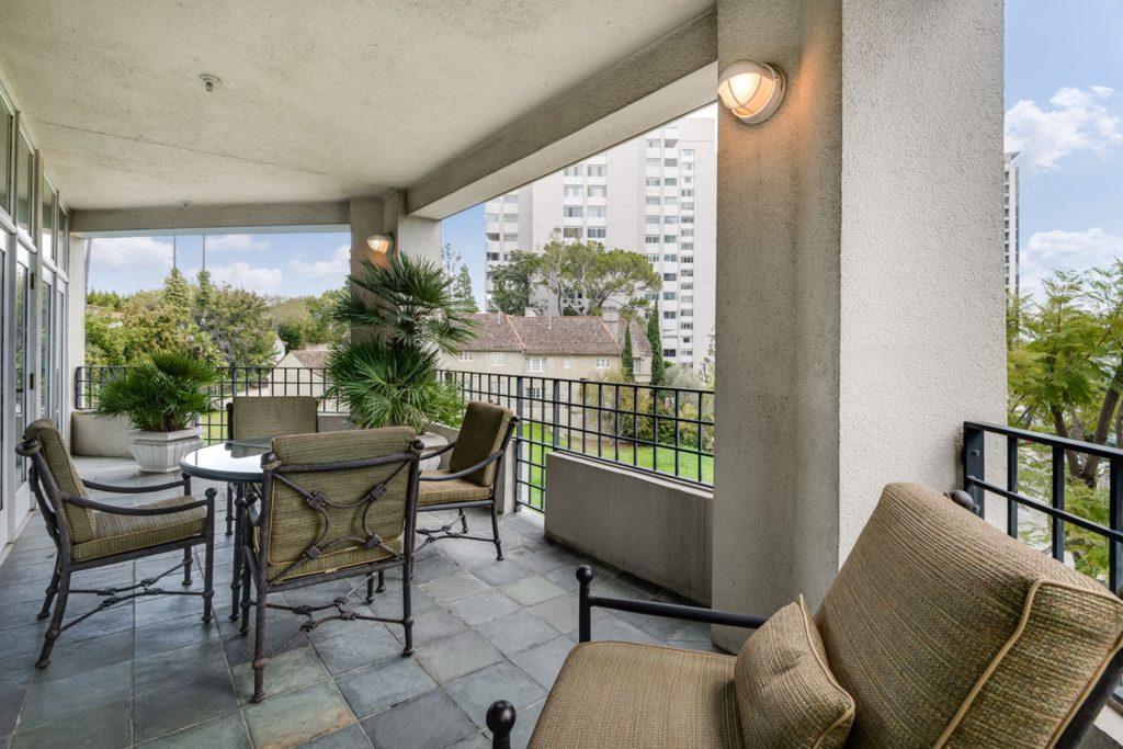 Hotel Photos - patio
